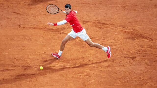 Ograł Hurkacza, teraz rozprawił się z Djokoviciem. Sensacja w prestiżowym turnieju