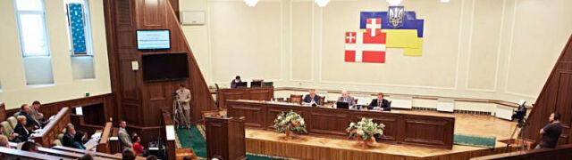 Wołyńscy deputowani: Polacy chcieli spalić setki wsi, Ukraińcy się tylko bronili