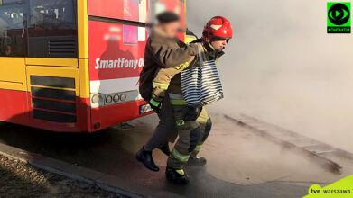 Jedna osoba poparzona, ponad sto potrzebowało pomocy. W gęstej chmurze utknęło 200 aut