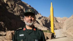 Irański generał straszy: rakiety balistyczne mogą trafić w lotniskowce