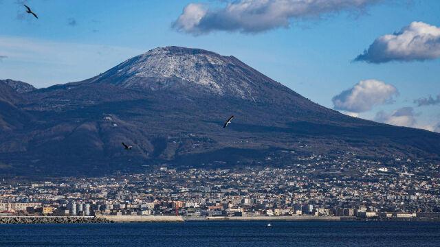 Włosi szykują się na erupcję Wezuwiusza. Ponad milion osób objętych planem ewakuacji
