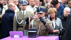 """Przegląd prasy: Czy słuszny był państwowy pogrzeb Jaruzelskiego? Większość odpowiada """"tak"""""""