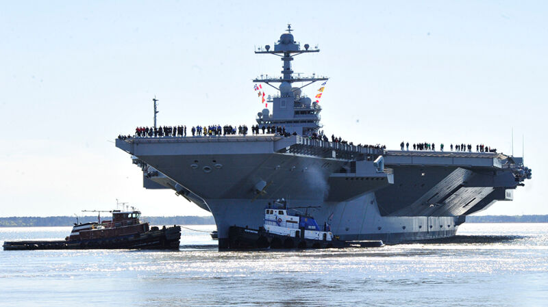 USS Gerald R. Ford wychodzi w morze