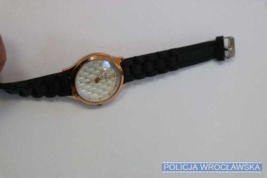 Łupem złodzieja padł zegarek