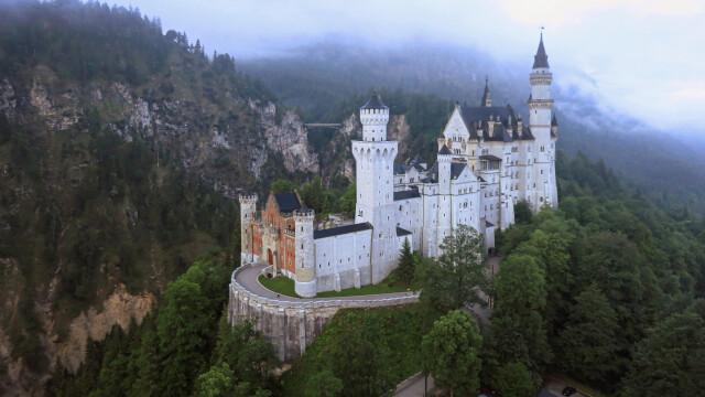 Bajkowy zamek szalonego króla. Budowa, którą przerwała zagadkowa śmierć