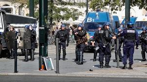 Gaz na ulicach. Starcia z demonstrantami we Francji