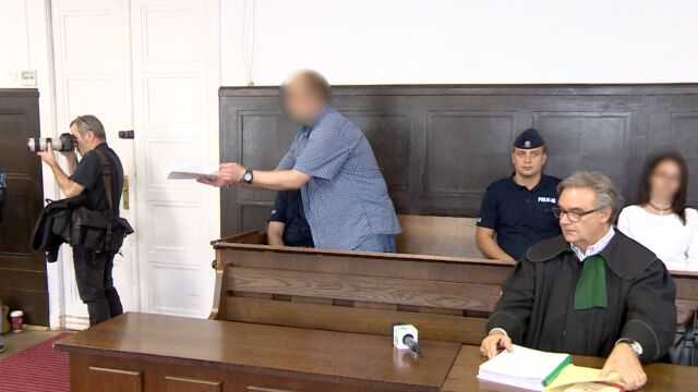 Na sąd krzyczał, kochance gratulował niskiego wyroku. Skazany za zabójstwo wyrzucony z sali