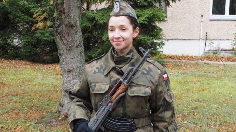 Nosiła karabin i nie pojedzie na mistrzostwa. Kuriozalna kontuzja polskiej biegaczki