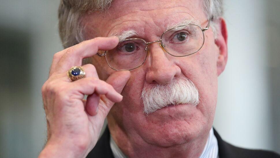 """Dymisja Boltona to """"wyraźny znak porażki amerykańskiej strategii maksymalnej presji"""""""