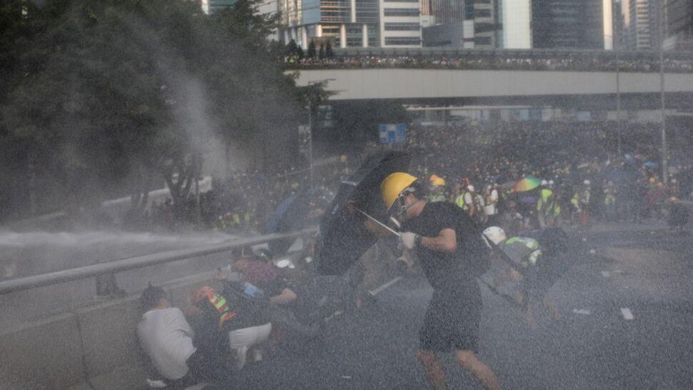 "Tysiące osób na ""spacerze"" w Hongkongu"