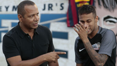 Media: ojciec Neymara ma spotkać się z dyrektorem sportowym Juventusu