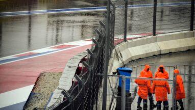 Zalany tor, trening odwołany. Deszcz pokrzyżował plany kierowcom F1