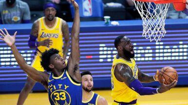 Niesamowity LeBron James zbliża się do setki triple-double