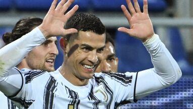 Pele gratuluje Ronaldo.
