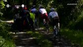 Motocyklista wywrócił się na polnym odcinku drogi w wyścigu Tro-Bro Leon