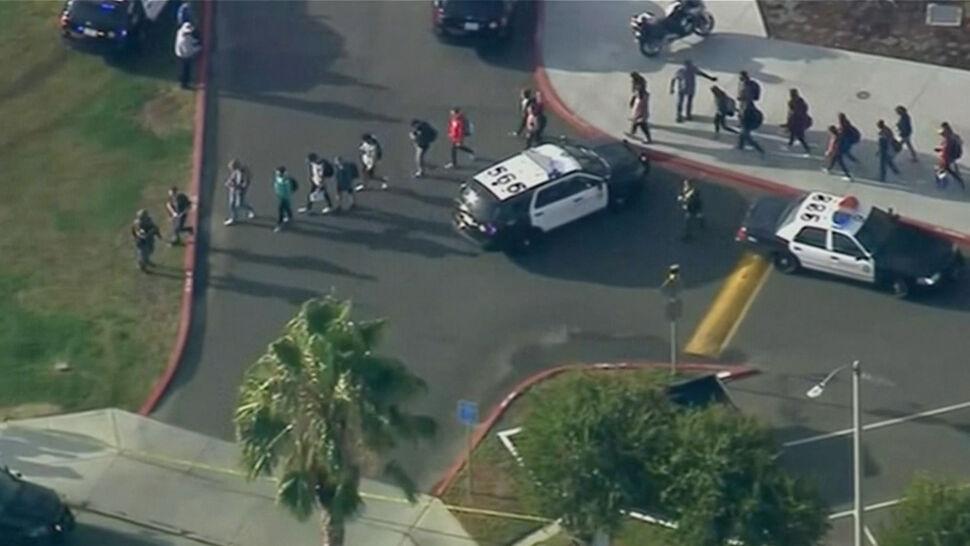 Wszedł do szkoły w Kalifornii  i zaczął strzelać. Zabici i ranni
