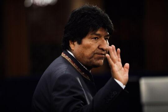 Evo Morales podał się do dymisji