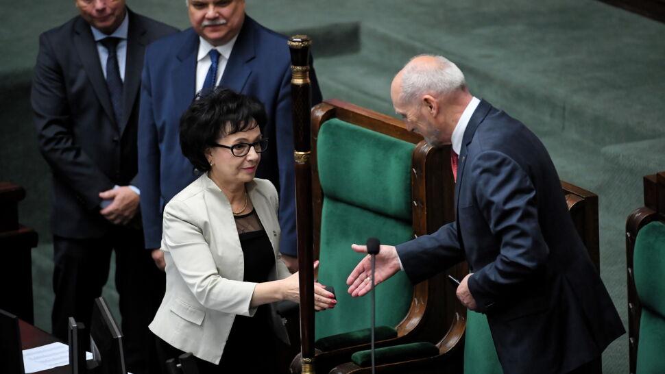 """""""Krucha i delikatna, ale twarda i z charakterem"""". Elżbieta Witek marszałkiem Sejmu"""