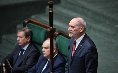 Macierewicz: w zeszłej kadencji budowaliśmy fundamenty, często kwestionowane przez tych, którzy chcieliby zawrócić bieg historii