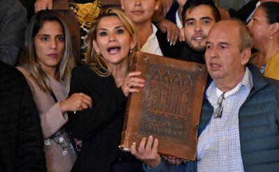 Liderka opozycji obwołała się tymczasowym prezydentem