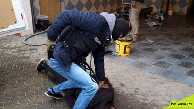 """Podpalenie klubu w centrum, napady metodą """"na policjanta"""". Szefem grupy miał być """"Fama"""""""