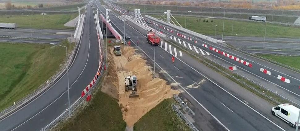 Nowy, ważny i popękany.  Drogowcy zamknęli wiadukt na A1