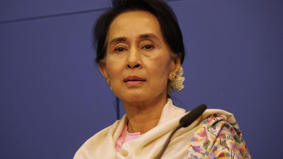 """""""Była ikona demokracji"""" będzie """"bronić interesu narodowego Birmy"""""""