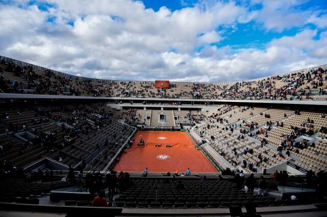 """<a href=""""https://eurosport.tvn24.pl/tenis,115/french-open-z-kibicami-bedzie-ich-mniej-niz-zakladano-tenis,1029316.html?source=rss"""">French Open z kibicami. Będzie ich mniej niż zakładano</a> thumbnail  Uczniowie wrócili do szkół. 3/4 Polaków pozytywnie ocenia tę decyzję 1 srcw 640 srch 2000 dstw 640 dsth 2000 quality 90"""