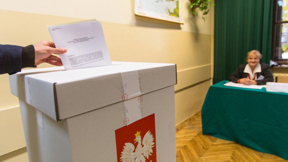 Sondaż CBOS: Polacy chcą głosować. Ilu rzeczywiście chodzi do urn?