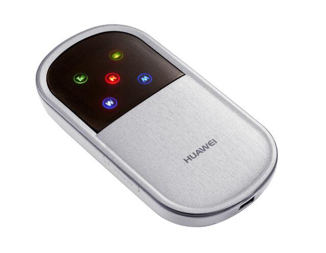 """Biały Dom: Huawei nie szpieguje,  ale jego sprzęt jest """"dziurawy"""""""