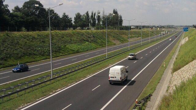 Przejazdy autostradą A2 będą droższe od marca, a nie - jak planowano - od stycznia