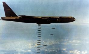 B-52 bombardują Wietnam