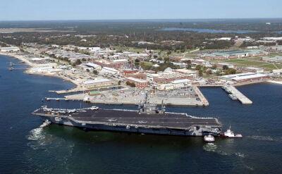 Napastnik otworzył ogień w bazie wojskowej na Florydzie