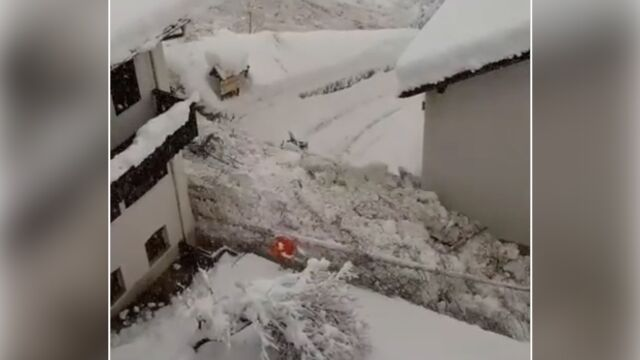 """""""Rzeka"""" śniegu i gruzu spłynęła ulicami włoskiego miasta"""