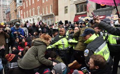 Grupa demonstrantów pojawiła się na ulicach Waszyngtonu