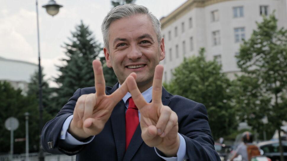 Biedroń: przyjąłem zgodnie z obietnicą mandat europosła. Sprawdziliśmy, co mówił wcześniej