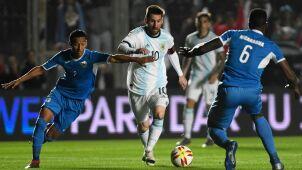 1700 piłkarek zarabia mniej niż jeden Messi. Nawet ONZ alarmuje