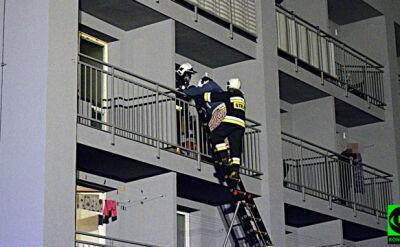 Pożar mieszkania, ewakuacja po drabinach