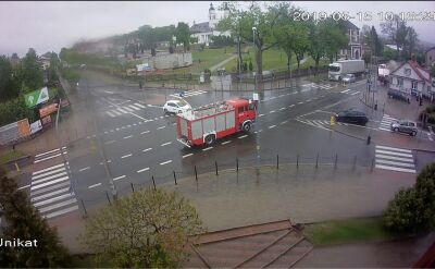 W Sokółce wóz strażacki uderzył w budynek na skrzyżowaniu