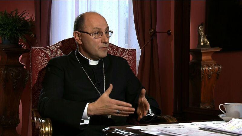 """Prymas Polski arcybiskup Wojciech Polak w """"Faktach po Faktach"""". Cała rozmowa"""