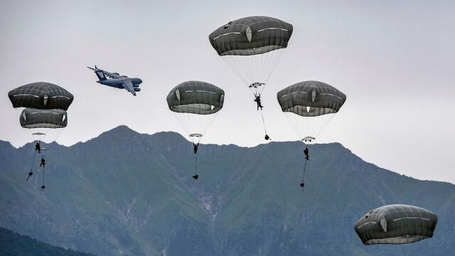 Szef Pentagonu: USA oddane NATO w 100 procentach