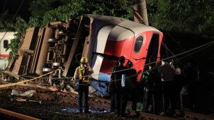 Pociąg jechał dwa razy za szybko, maszynista się przyznał. 18 osób nie żyje