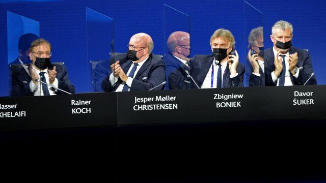 """Superliga upada, Boniek zaprasza do rozmów. """"Ale w gronie ludzi poważnych"""""""