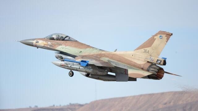 """Izraelskie naloty w Strefie Gazy. """"W odpowiedzi na atak"""""""