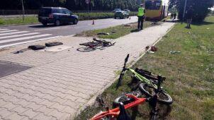 Autobus wjechał w rowerzystów. Ojciec i dwoje dzieci w szpitalu