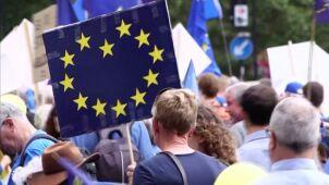 UE przyjęła nowe porozumienie w sprawie brexitu