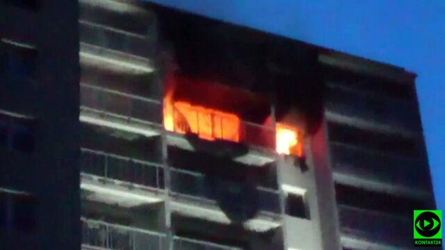 """""""Z okien buchały płomienie"""". W spalonym mieszkaniu znaleźli zwłoki"""