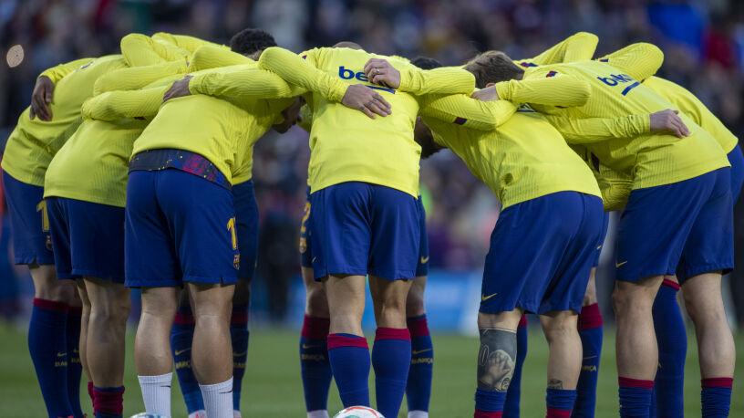 Hiszpańskie media: pięciu piłkarzy i dwóch trenerów Barcelony miało koronawirusa
