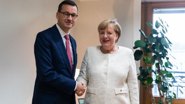 Morawiecki spotkał się z Merkel