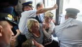 """Przepychanki w Sejmie z protestującymi. Interwencja straży """"zgodna z procedurami"""""""